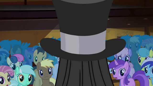 File:Tirek appears from inside the top hat S4E25.png