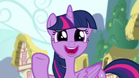 Twilight smiling and waving facetiously S4E25