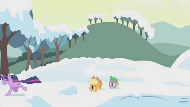 File:Twilight runs away from Applejack S1E11.png