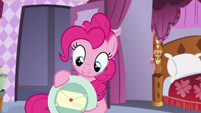 Pinkie shows the letter under the plate S5E14