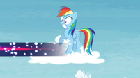 Rainbow sees Twilight flying away S4E26