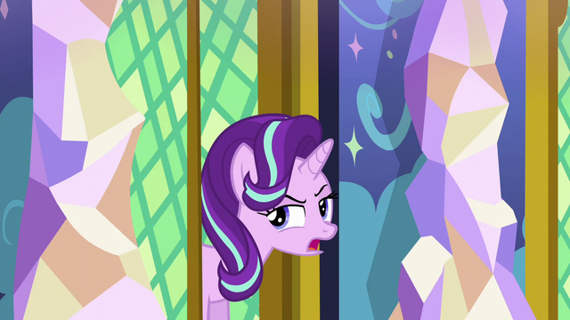 "File:Starlight ""looked a lot smaller from the outside"" S6E1.png"