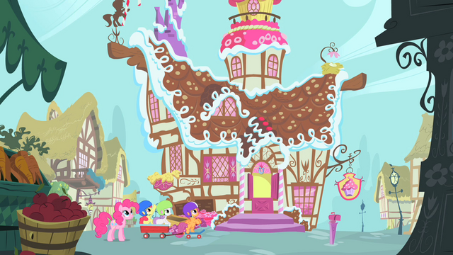 File:Pinkie Pie and CMC arriving at Sugarcube Corner S1E23.png