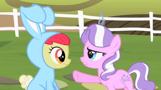 File:Diamond Tiara taunts Apple Bloom 2 S2E12.png