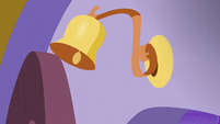 Bell on Canterlot Carousel front door rings S5E14