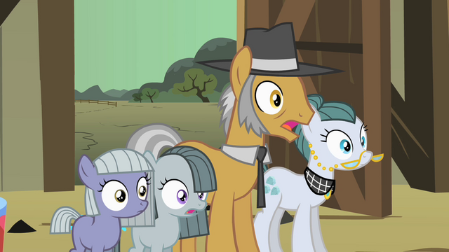 File:Pinkie Pie family surprised S1E23.png