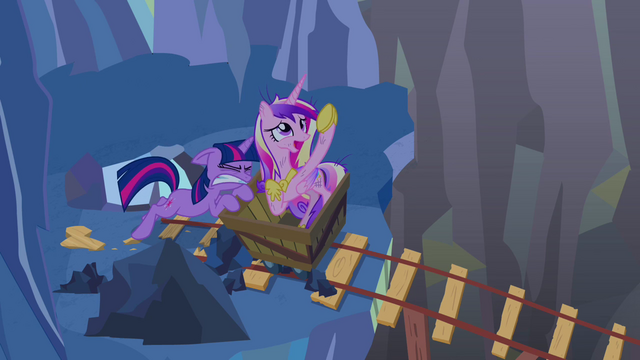File:Twilight trying to push minecart S2E26.png