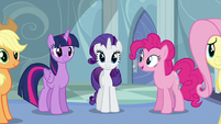 Rainbow's friends are there for her S5E5
