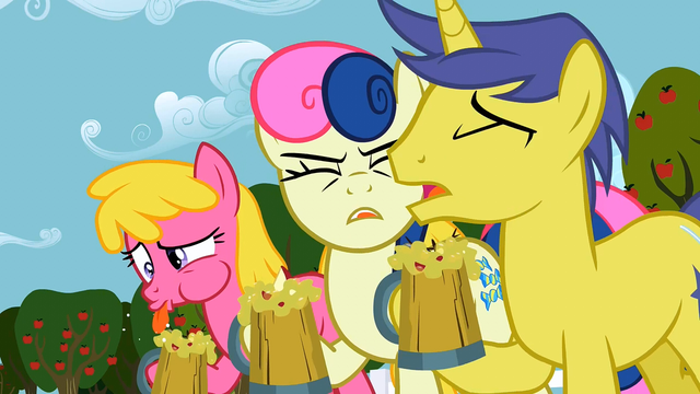 File:Everypony yuck! S02E15.png
