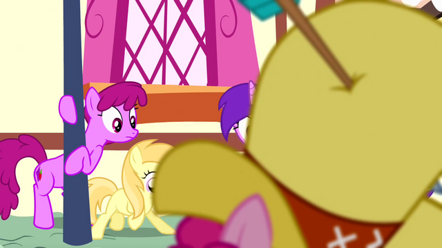 File:Ponies looking at Pinkie S4E12.png