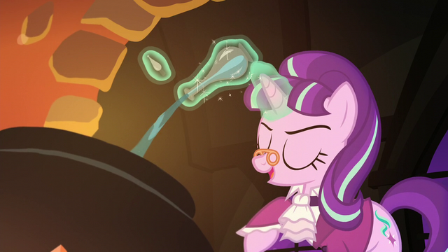 File:Snowfall drops a blue-colored potion to the cauldron S06E08.png
