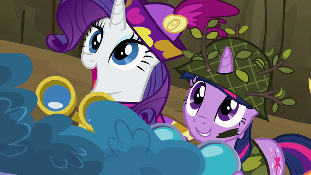 File:Undercover Twilight and Rarity watching S2E21.png