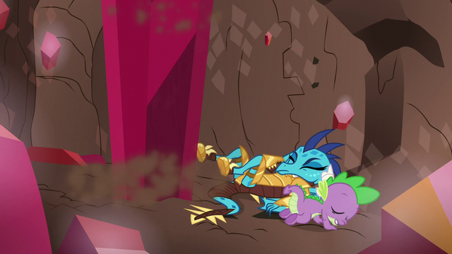 File:Spike saves Ember from crystal spire S6E5.png