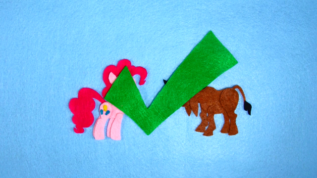 File:Pinkie Pie Meet Somepony New Check S2E18.png