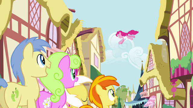 File:Crowd of ponies watching Pinkie Pie S4E12.png
