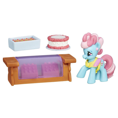 File:FiM Collection Mrs. Dazzle Cake Small Story Pack.jpg