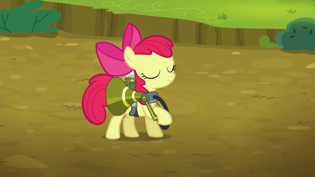 File:Apple Bloom accomplishes her job S5E04.png
