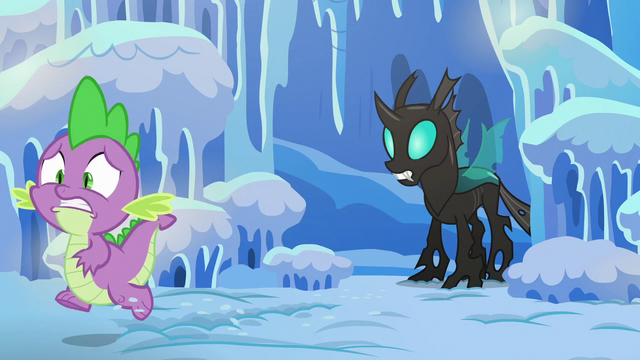 File:Spike runs away from the changeling S6E16.png