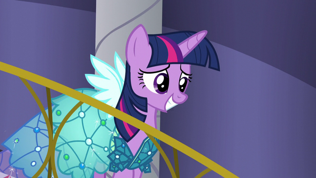 File:Twilight walking down stairs S5E14.png