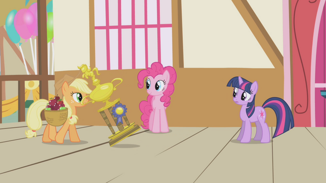 File:Applejack takes the trophy home S1E04.png