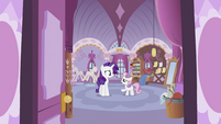 Sweetie Belle explaining to Rarity S2E23