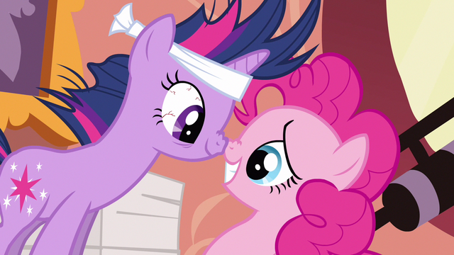 File:Twilight & Pinkie Pie make sense S2E20.png
