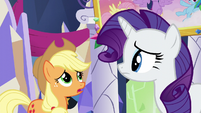 "Applejack ""looks like a mishmash of knickknacks"" S5E3"