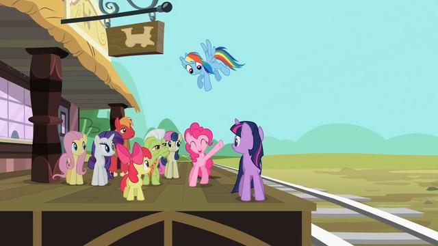 File:Sarsaparilla Pinkie Pie when the train departs S2E14.png