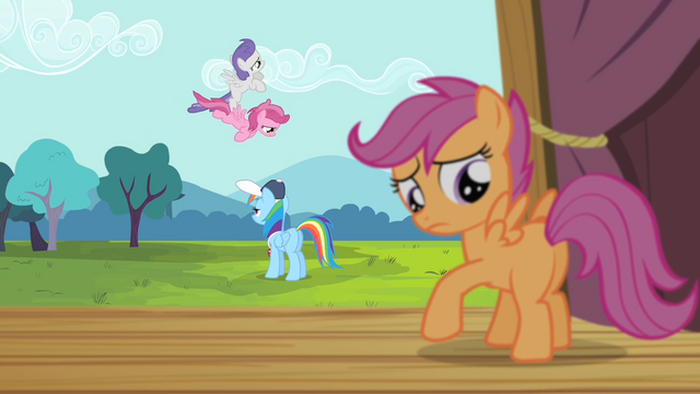 File:Scootaloo looks at her wings S4E05.png