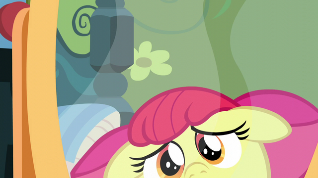 File:Apple Bloom fearful of her reflection S5E4.png