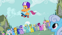 Scootaloo doing tricks S01E18