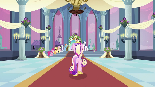 File:Cadance walking on red carpet S2E25.png