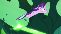Starlight jumps out of the way of Chrysalis' magic S6E26