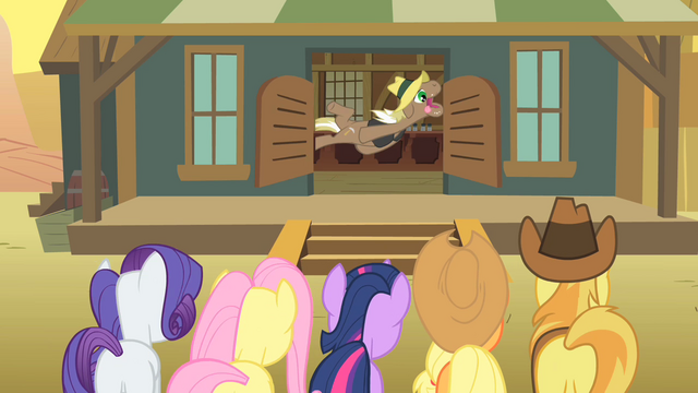 File:Old pony thrown out Salt Block Appleloosa S1E21.png