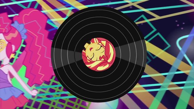 File:Sunset Shimmer on rolling vinyl record EG2.png