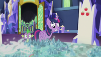 Twilight nervously looking at the map S5E25
