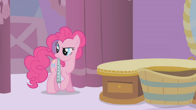 File:Pinkie Pie picks up a recorder S1E10.png