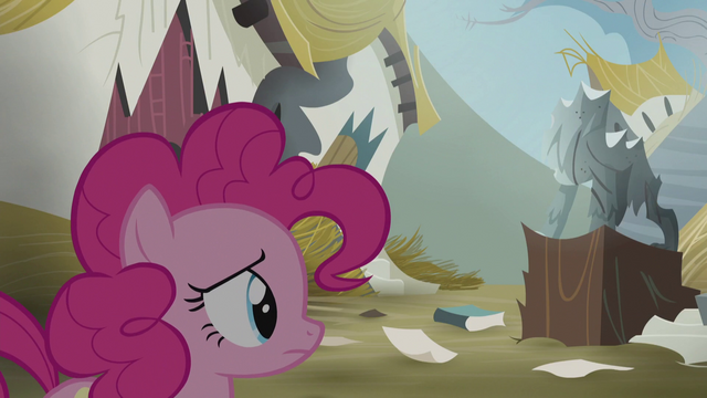 File:Pinkie sees Gilda leaving S5E8.png
