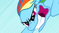 Rainbow Dash desperately trying to accelarate more S01E16