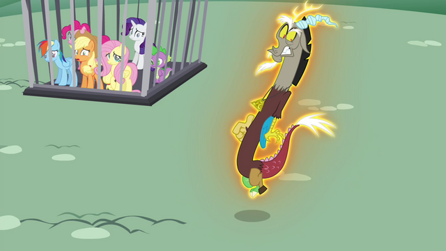 File:Discord being levitated S4E26.png