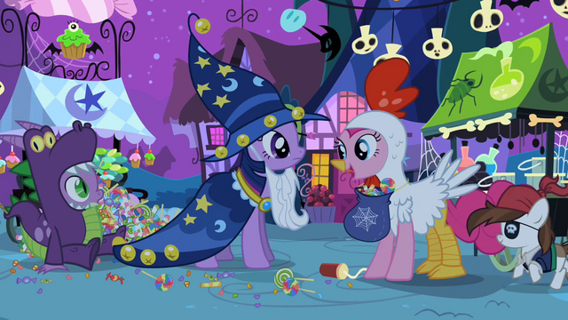 File:Pinkie with candy S2E04.png