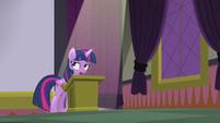 Twilight Sparkle displeased S5E25