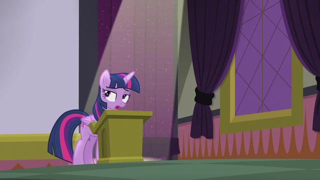 File:Twilight Sparkle displeased S5E25.png