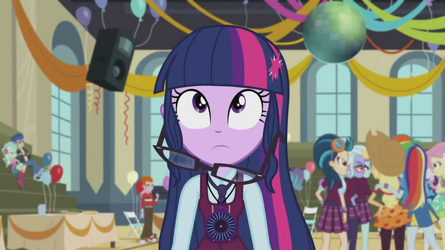 File:Twilight Sparkle's hair falls EG3.png