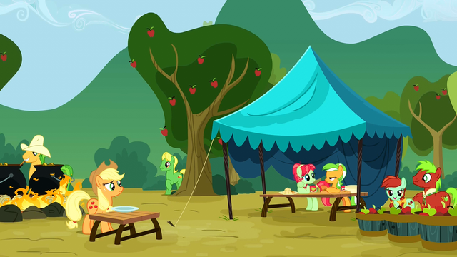 File:Apple family reunion S3E8.png