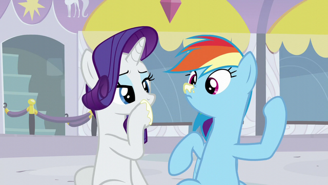 File:Rainbow's nose get put on some lotion S5E15.png