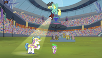 Shining Armor in the spotlight S4E24