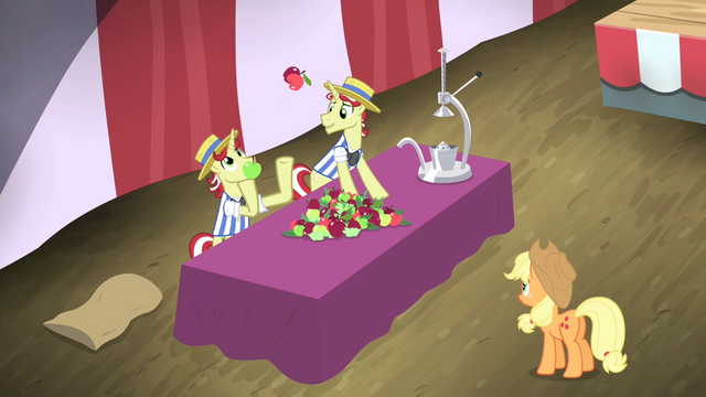 File:Flam juggling apples S4E20.png