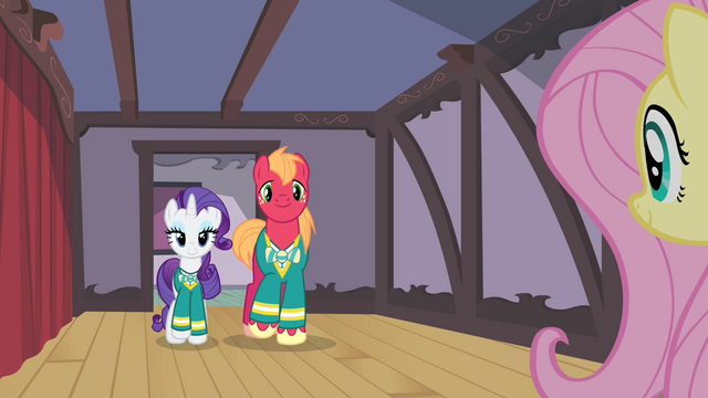 File:Rarity and Big Mac walk up to Fluttershy S4E14.png