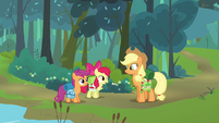 Apple Bloom 'You got the canteens' S3E06